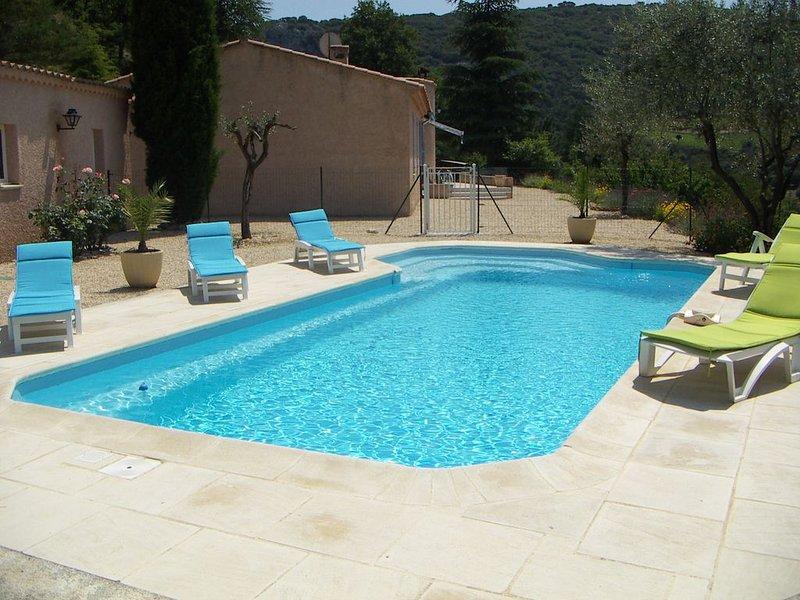 Villa 8-9 pers. tout confort - piscine privée chauffée à 5min de Vaison-La-Rom., location de vacances à Mollans sur Ouveze