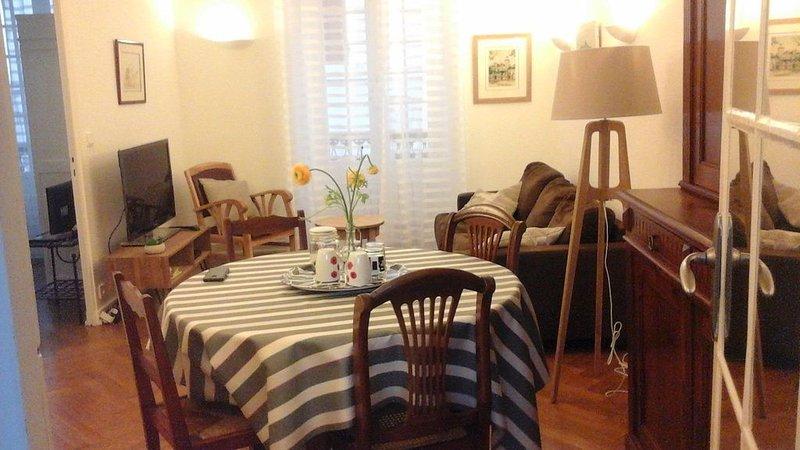 Appartement T3 dans le coeur historique de St Jean de Luz à 100 m de la plage, location de vacances à Saint-Jean-de-Luz