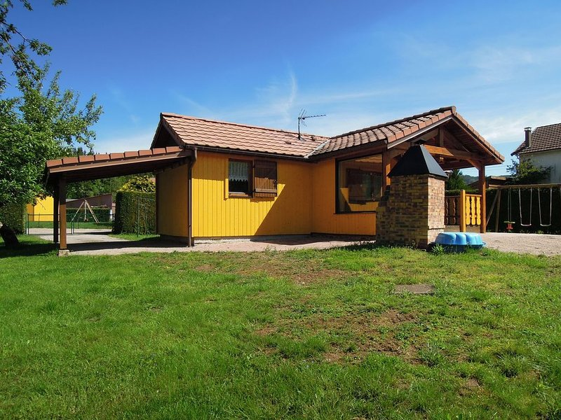 Location chalet clôturé avec barbecue et espace jeux pour enfants, Ferienwohnung in Taintrux