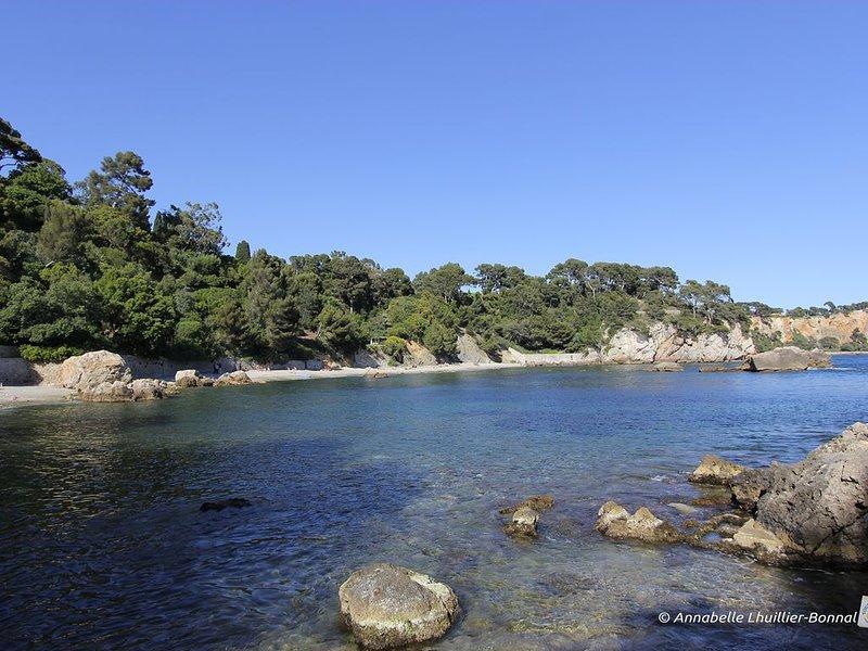 Vacances méditerranée : villa vue mer plages à 150 m, location de vacances à La Garde