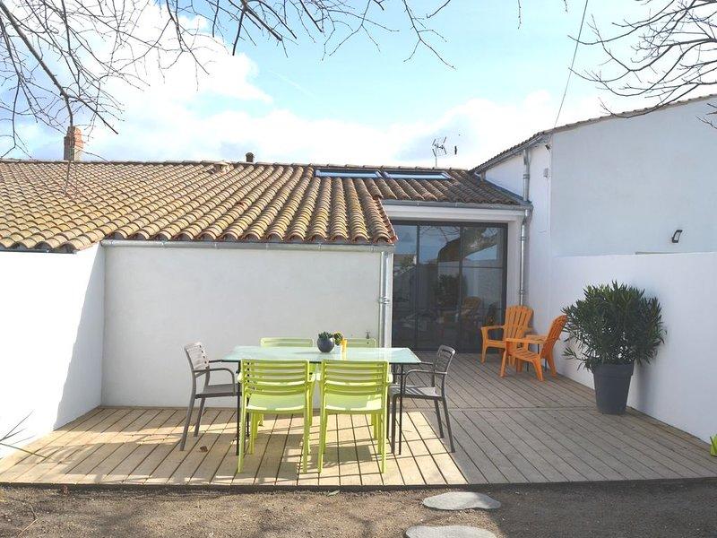 L'ATELIER DES MOULINS , Maison rénovée de 57 m² pour 5/6 personnes, casa vacanza a Semussac