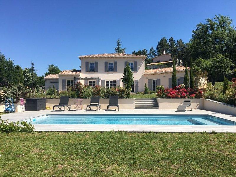 Nouveau:Magnifique Maison vue sur la citadelle avec piscine chauffée & securisée, holiday rental in Sigoyer