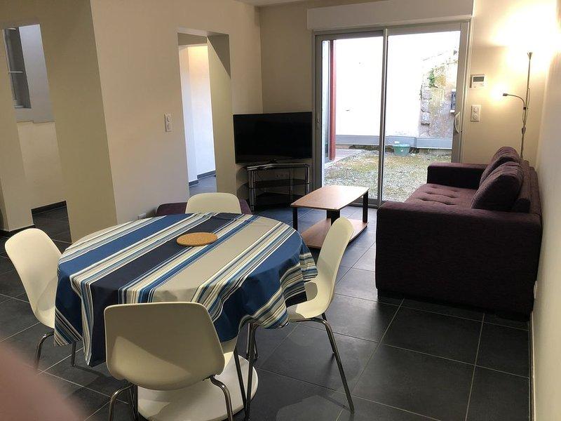 Appartement sur cour intérieure, aluguéis de temporada em Mouguerre