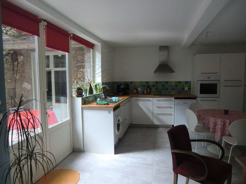 Gîte T2, village proche Perpignan, holiday rental in Peyrestortes