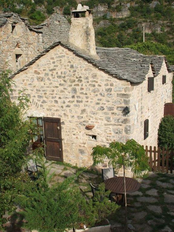 Vista geral Casa, entrada e terraço