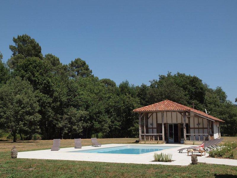 Magnifique logement du XXeme siècle - Cap Ouest, holiday rental in Callen