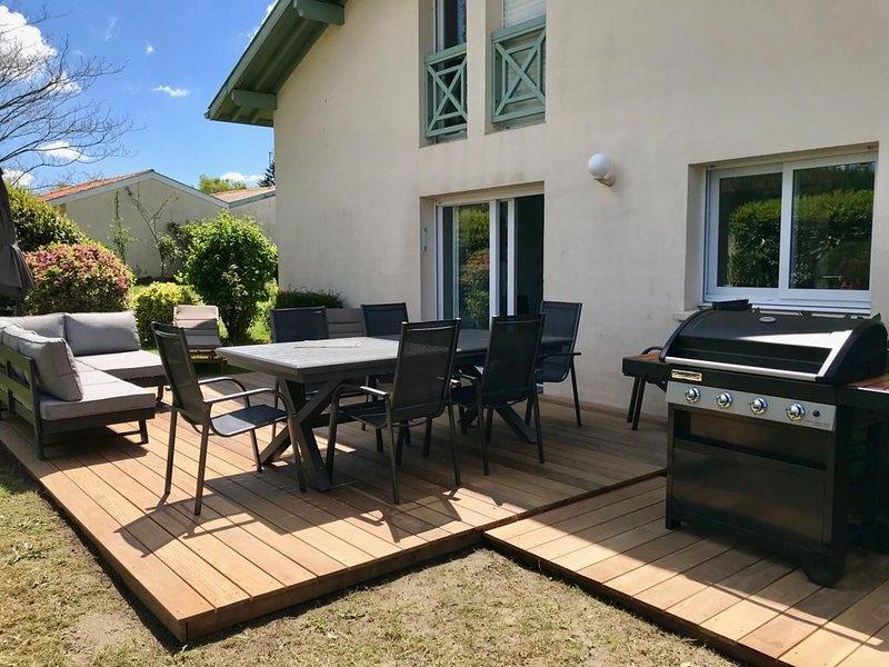 A 10 minutes des plages, Belle maison contemporaine avec jardin et terrasse., location de vacances à Saint-Jean-de-Marsacq