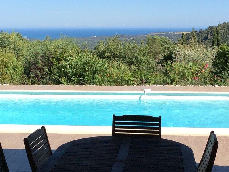 Villa vue mer, dans le calme et la verdure, idéale pour vos vacances !!!, location de vacances à Tourrettes-sur-Loup