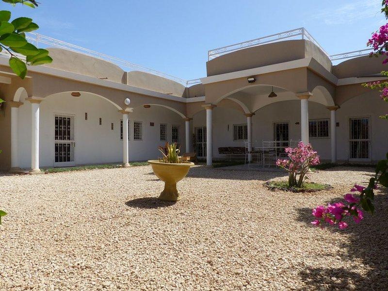 Maison récente et moderne non loin de la plage, holiday rental in Somone