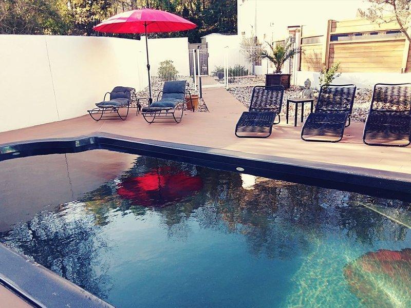 Entre Nîmes et Montpellier, gîte climatisé 4 pers. avec piscine, casa vacanza a Restinclieres