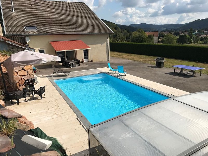 VOSGES: Belle ferme rénovée, classée 4 étoiles, au calme, piscine privée, location de vacances à Saint-Loup-sur-Semouse
