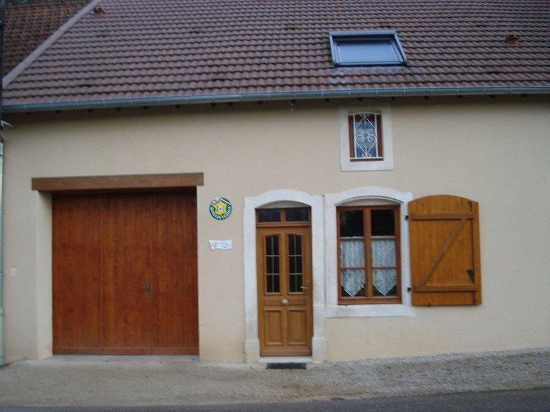 GITE DE FRANCE 3 EPIS CIRCOURT /SUR/ MOUZON, holiday rental in Neufchateau