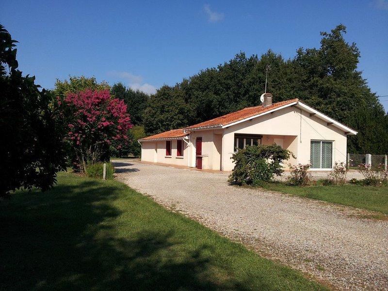 VENSAC proche de Montalivet ,Soulac.Wifi gratuit, holiday rental in Queyrac