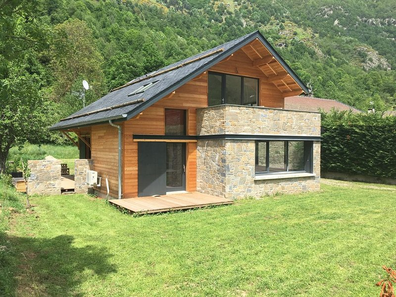 Chalet bois montagne Orlu proche Ax-les-Thermes, vakantiewoning in Ariege