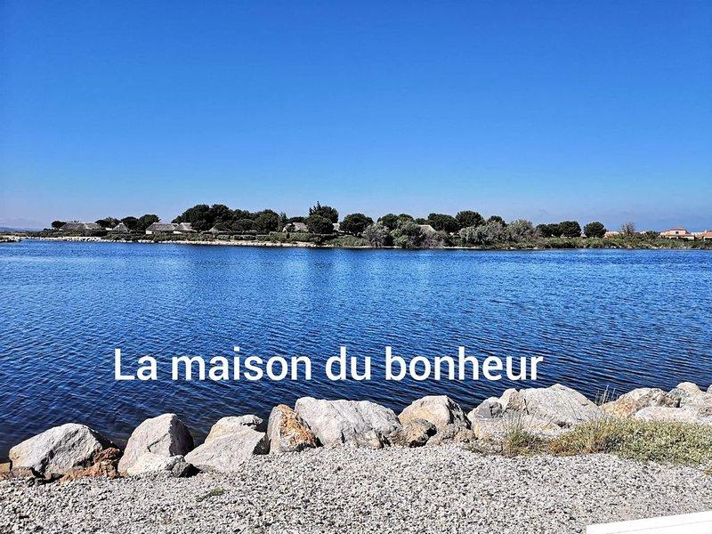 Charmante Maison face au lac marin climatise – semesterbostad i Le Barcares