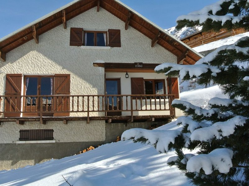 Location chalet montagne hiver - 8 couchages, holiday rental in Ceillac