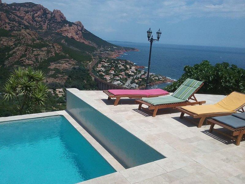 Face à la grande  bleue et massif de l'Estérel, Antheor, ville de Saint Raphaël, vacation rental in Agay