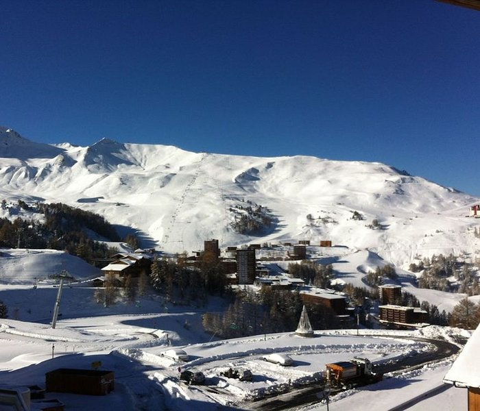 APPARTEMENT DUPLEX A PLAGNE SOLEIL, holiday rental in La Cote-d'Aime