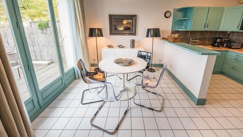 Cottage 'Les Galets' - La Réserve, Mesnil Saint Père, holiday rental in Foucheres