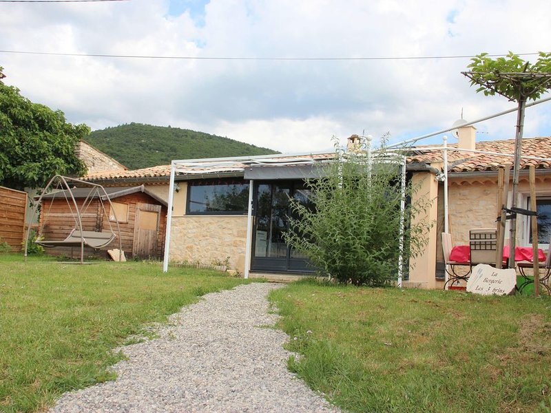 LOCATION MAISON SAULT VAUCLUSE, vacation rental in Sault
