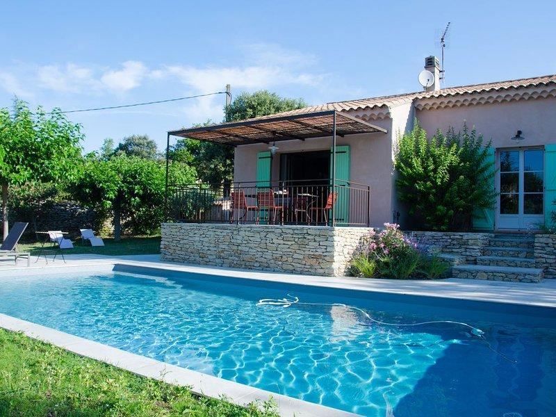 Maison de charme sur Cabrieres, holiday rental in Cabrieres-d'Avignon
