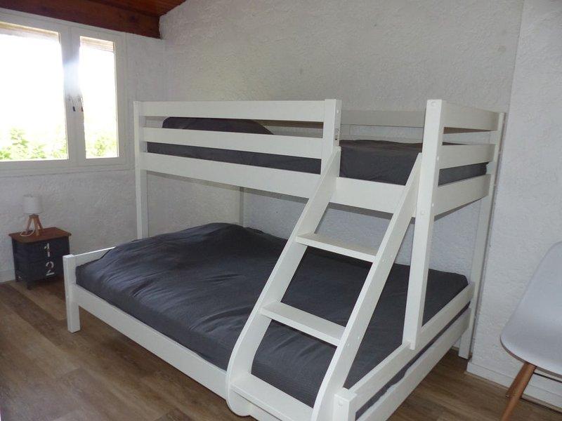 Andernos les bains : maison climatisée 5 personnes, vacation rental in Taussat