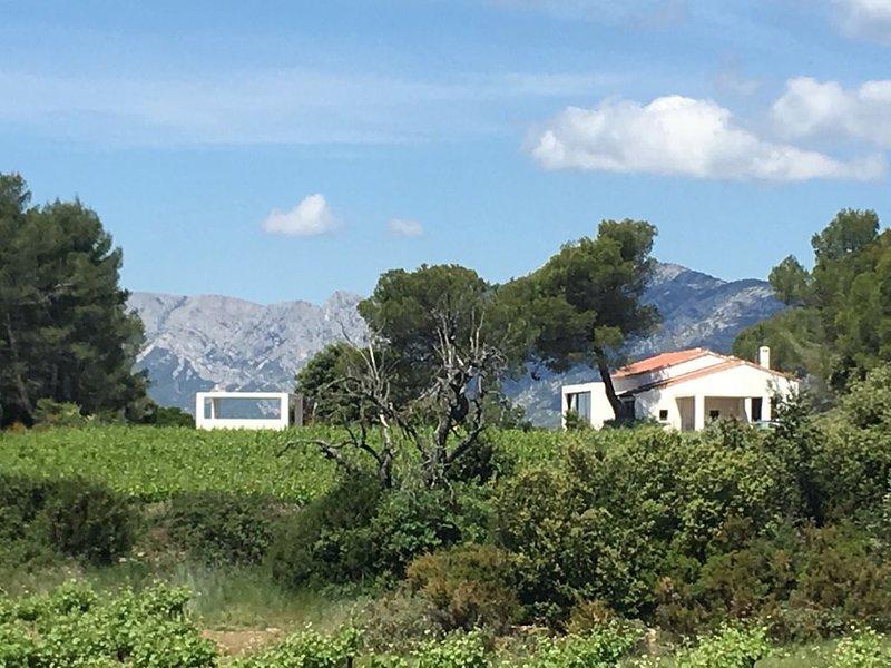 Villa en pleine nature à 15 minutes d'Aix en Provence, location de vacances à Pourrieres