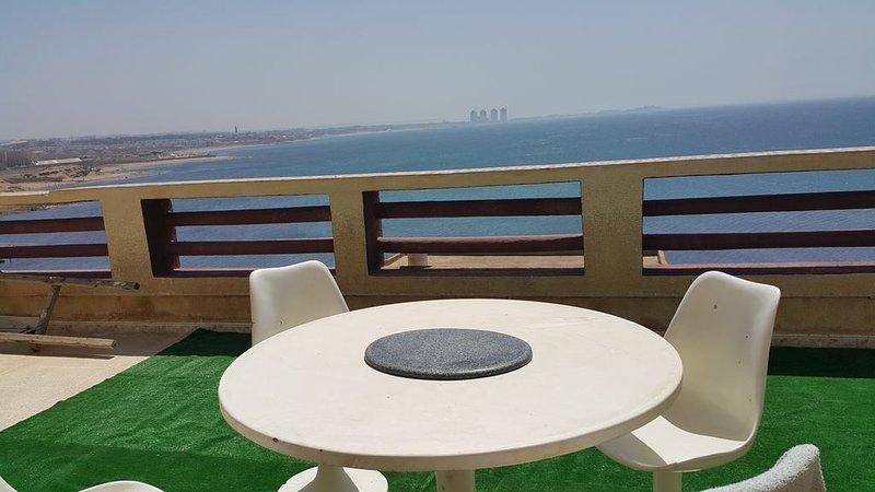 Superbe loft américain tout aménagé et meublé à 1 minute de marche de la plage, vacation rental in Alger Centre