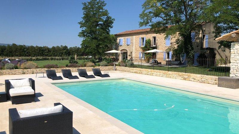 Mas ancien rénové avec style au coeur du Luberon, location de vacances à Bonnieux