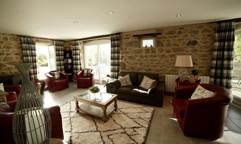 Situation exceptionnelle avec vue imprenable pour séjour entre amis ou famille., vacation rental in Champagnat