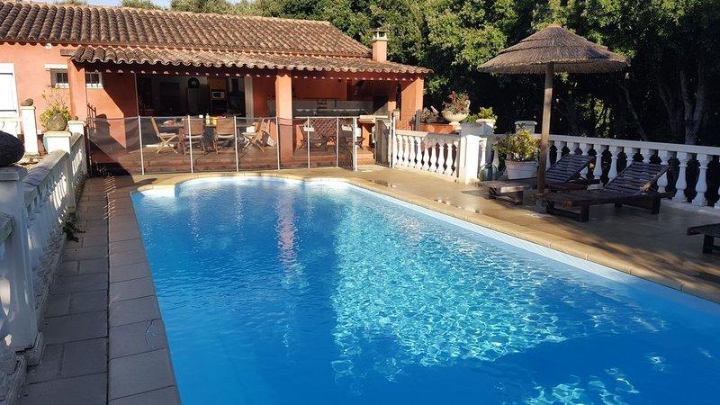 'Villa Casa Rossa' Plage canetto, parc privé sans vis a vis avec piscine privée, aluguéis de temporada em Bonifacio