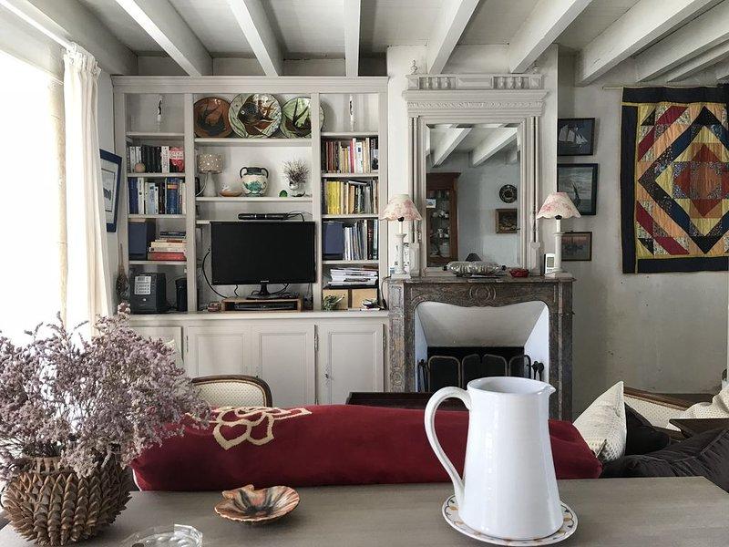 MAISON DE CHARME ILE DE RÉ - au coeur du village de Loix, holiday rental in Loix