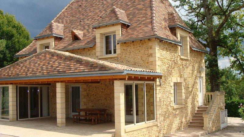 Gite de charme au coeur d'un domaine, vacation rental in Saint-Geyrac