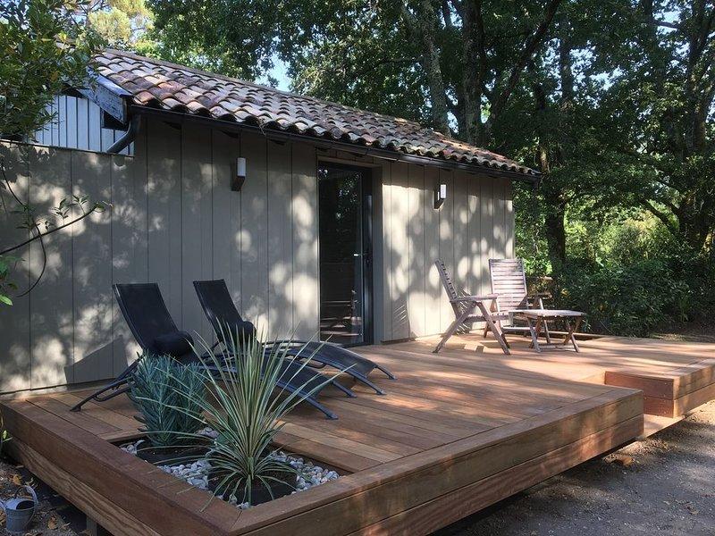 Cabane de charme au sein d'une vaste propriété médocaine , isolement garanti, casa vacanza a Arsac