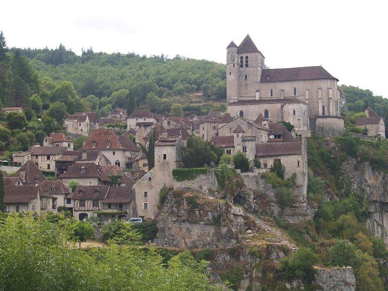 Maison de charme a proximité de Cahors, vacation rental in Pradines
