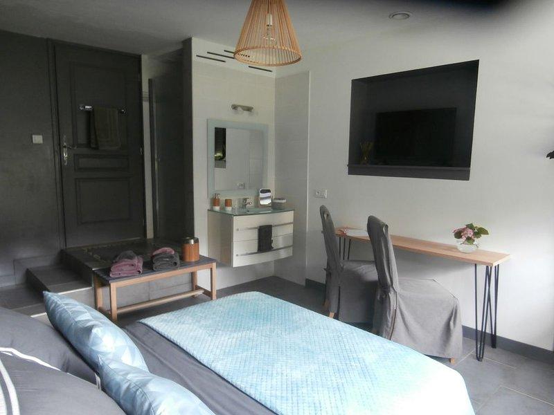 LA CÔTE D'AZUR CÔTE CAMPAGNE, casa vacanza a Saint-Cezaire-sur-Siagne