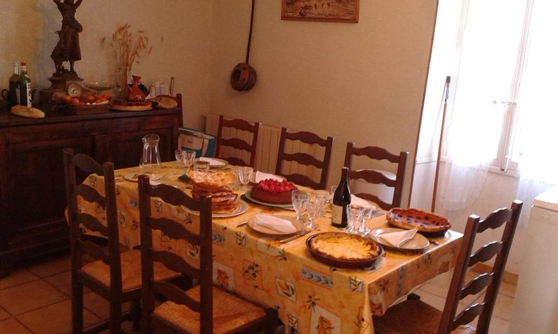 Maison vigneronne 100 m² dans hameau très calme, location de vacances à Le Bousquet d'Orb
