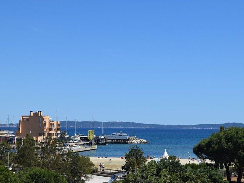 Appartement T3 vue mer accès direct plage de la Favière et tous commerces, alquiler vacacional en Le Lavandou
