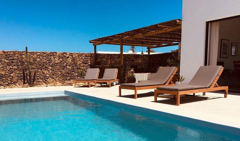 New Villa Lajares Casa SACHA Piscine Privée, holiday rental in Lajares