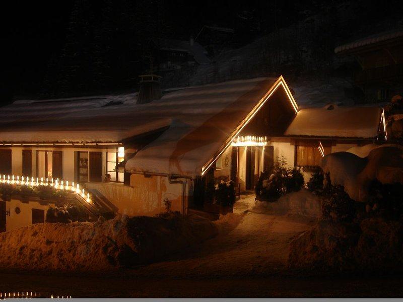 Trés bel appartement dans une ancienne ferme rénovée, location de vacances à Les Contamines-Montjoie