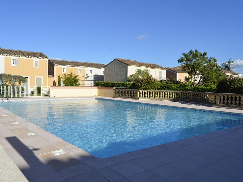 UZES RESIDENCE LES BASTIDES APPARTEMENT, vacation rental in Sanilhac-Sagries