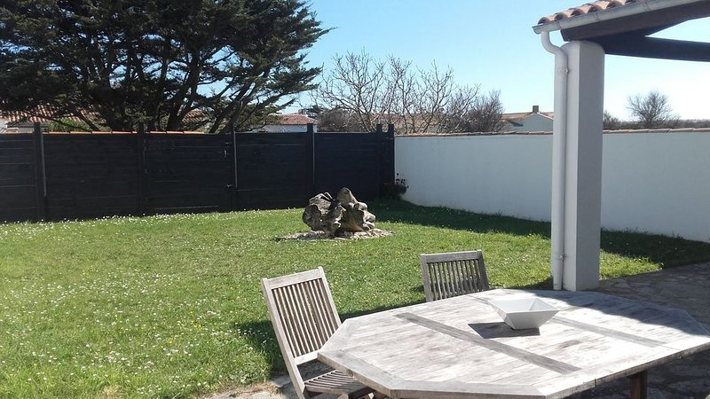 BELLE MAISON RETAISE PROCHE PLAGES, holiday rental in Saint Clement des Baleines