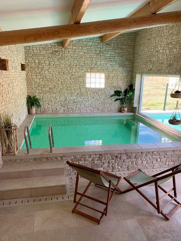 Indoor / outdoor pool