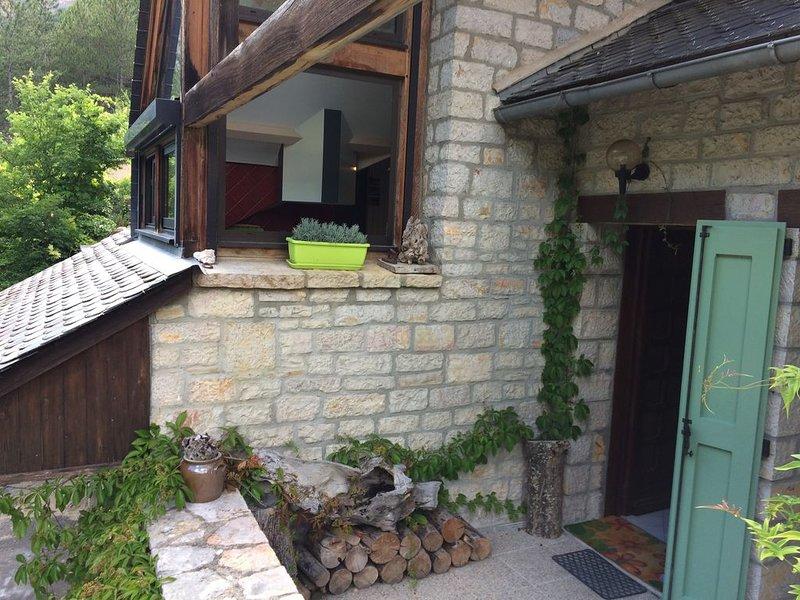 Gite de Charme 3*,  Les Lavandes, au cœur des gorges du Tarn, location de vacances à Mende