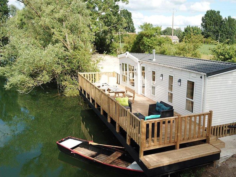 Lodge Ondine - Domaine des Etangs de la Bassée 26 ha - Gravon, holiday rental in Sainte-Colombe