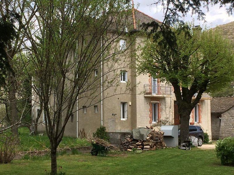 Villefort Maison de Village en bord de rivière au pied du Mont-Lozère., alquiler vacacional en Lozere