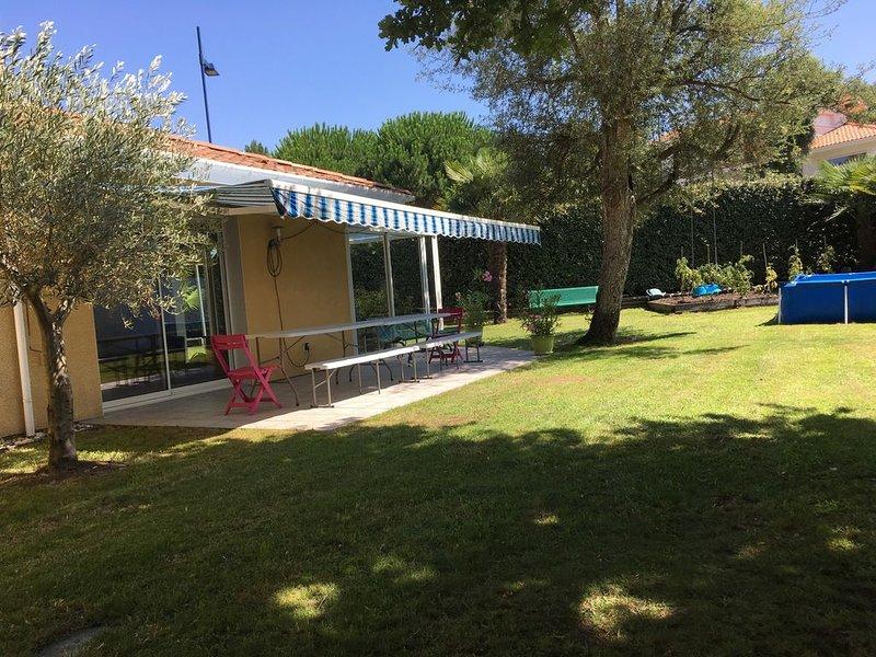Villa Capbreton 130 m2, 4 chambres, 2 salles de bain, jardin , piscine., alquiler de vacaciones en Capbreton