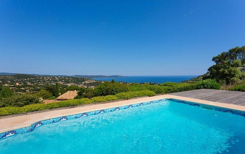 VILLA JUCANOS - PLEIN PIED PROCHE ST TROPEZ, holiday rental in Cavalaire-Sur-Mer