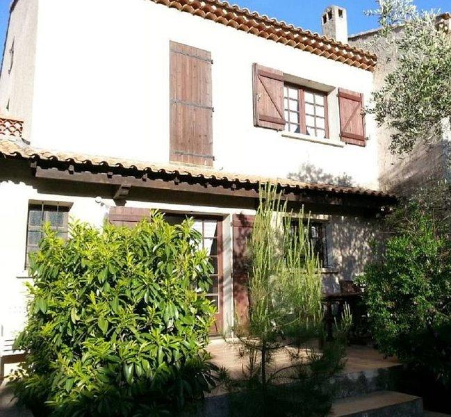 Maison 6 pers - Presqu'île St Mandrier - Côte d'Azur, 5mn à pieds de la plage, vacation rental in Saint-Mandrier-sur-Mer