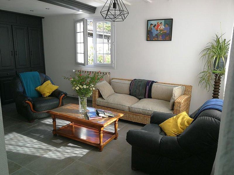 Appartement entièrement rénové en rez de chaussée., location de vacances à Gaindola